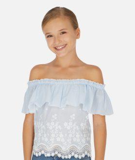 Blusa detalhes bordados menina
